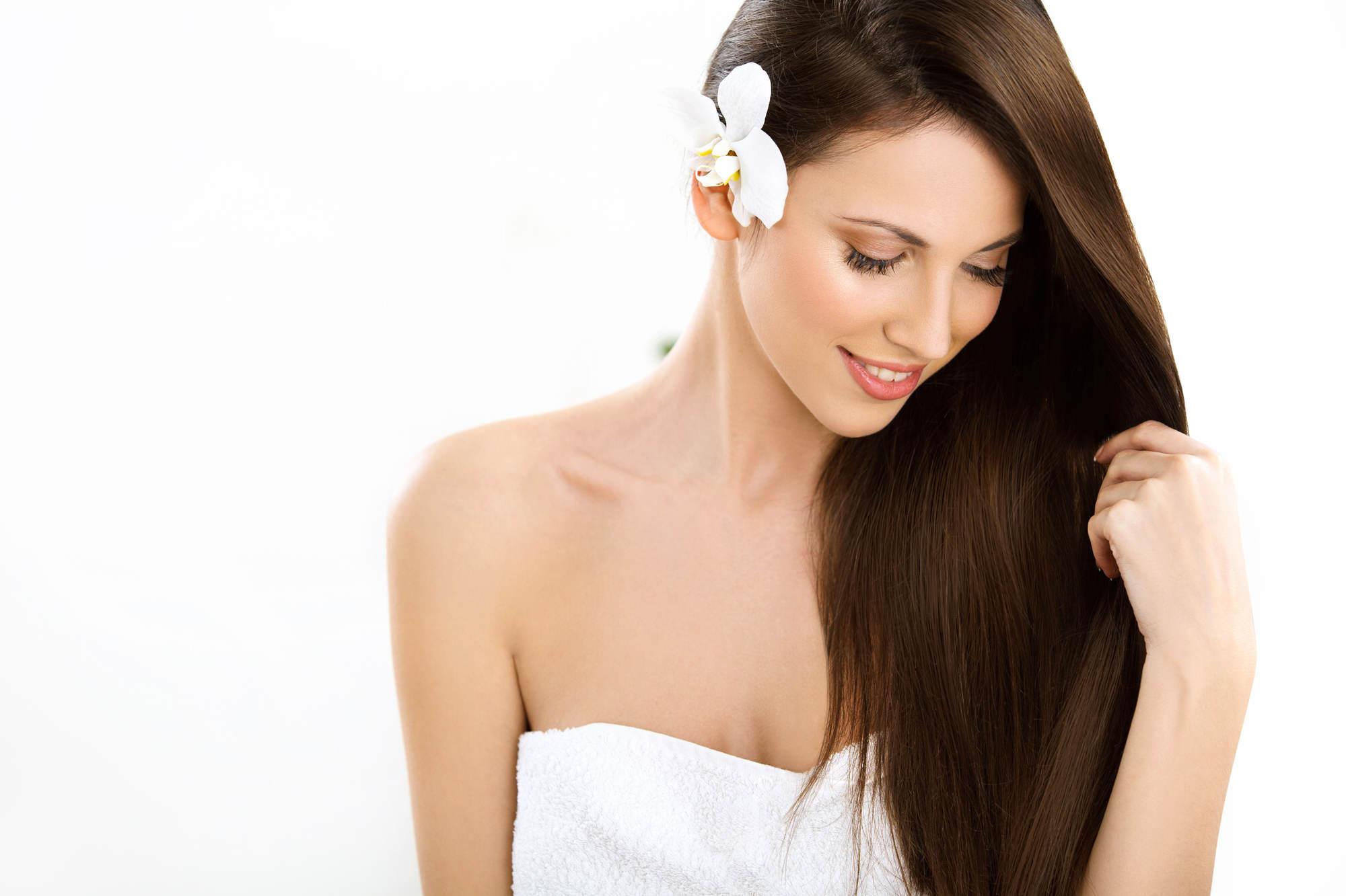 Los Omegas del Aceite de Macadamia son beneficiosos para el cabello
